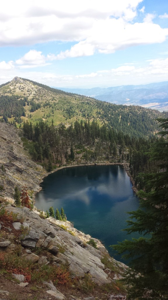 PCT Section P Shasta Trinity National Forest Scott Mountains Lake