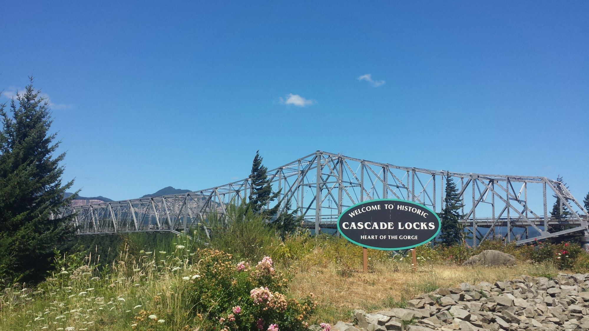 Sisters To Cascade Locks July 2015 A Skirt In The Dirt